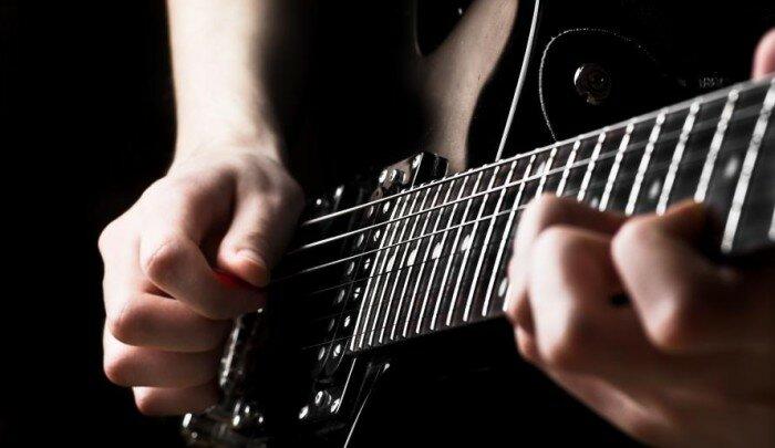 Виртуальный-учитель-гитарных-аккордов